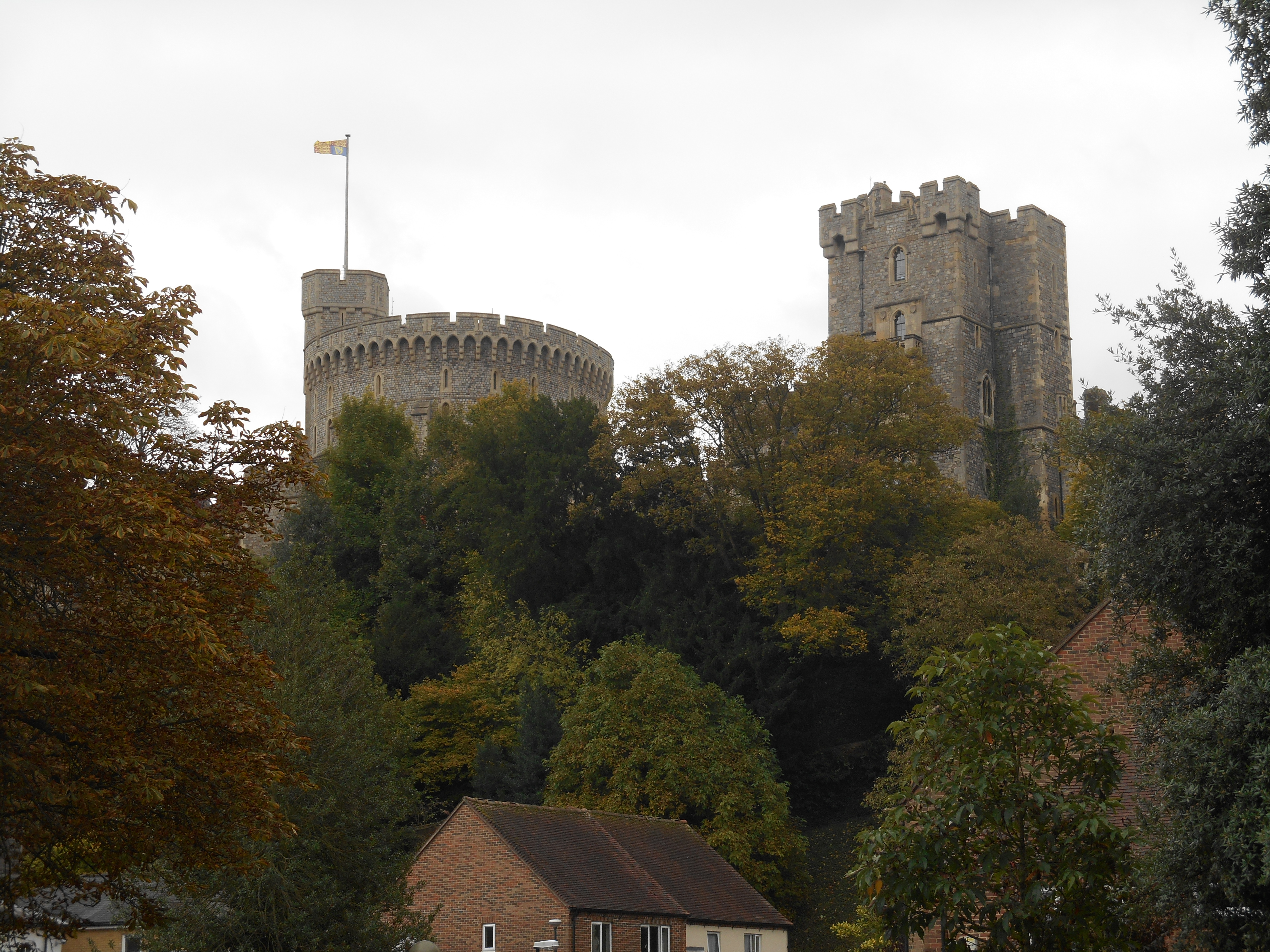 A quick glimpse of Windsor castle on the way back to the train.